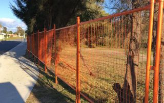 fence 1 320x202 - Self-Supporting Safety Fence